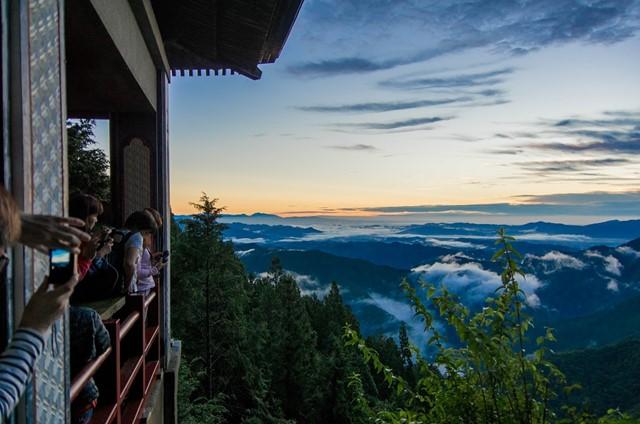 「雲海」に関する、おすすめの観光・お出かけスポットや最新のイベント情報を紹介しています。人気の定番スポットから穴場情報までまとめましたので、楽しい週末や休日を過ごすための参考にしてくださいね。