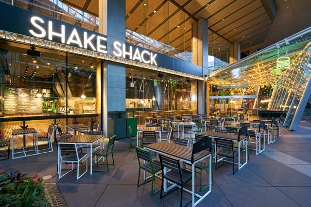 「シェイクシャック」に関する、おすすめの観光・お出かけスポットや最新のイベント情報を紹介しています。人気の定番スポットから穴場情報までまとめましたので、楽しい週末や休日を過ごすための参考にしてくださいね。