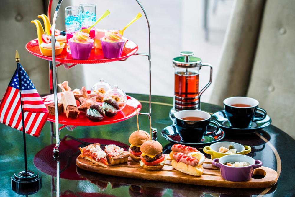 午後のひと時を愉しい時間に変える「アフタヌーンティー」。なんでもない時間を、自分自身や大切な人とのために使う。そんな素敵な時間の使い方があってもいい気がします。こだわりの珈琲や紅茶、シェフが工夫を凝らした料理に美味しいお酒。自分なりの「好き」を満喫して、毎日を愉しく過ごしみませんか?ここでは、人気の定番スポットから穴場情報までをまとめているので、ぜひ参考にしてください。