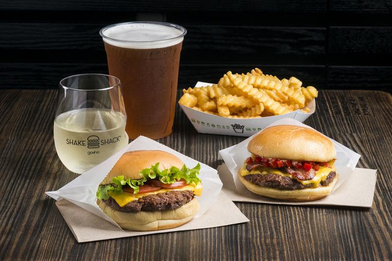 「ハンバーガー」に関する、おすすめの観光・お出かけスポットや最新のイベント情報を紹介しています。人気の定番スポットから穴場情報までまとめましたので、楽しい週末や休日を過ごすための参考にしてくださいね。