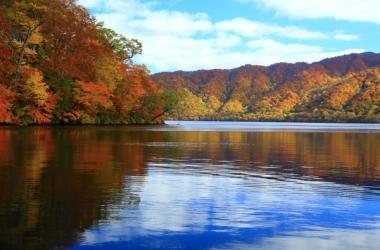 十和田湖の紅葉写真